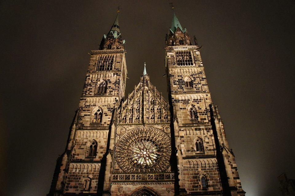 Rothenburg ob der tauber help traduzioni studio di - Finestre circolari delle chiese gotiche ...